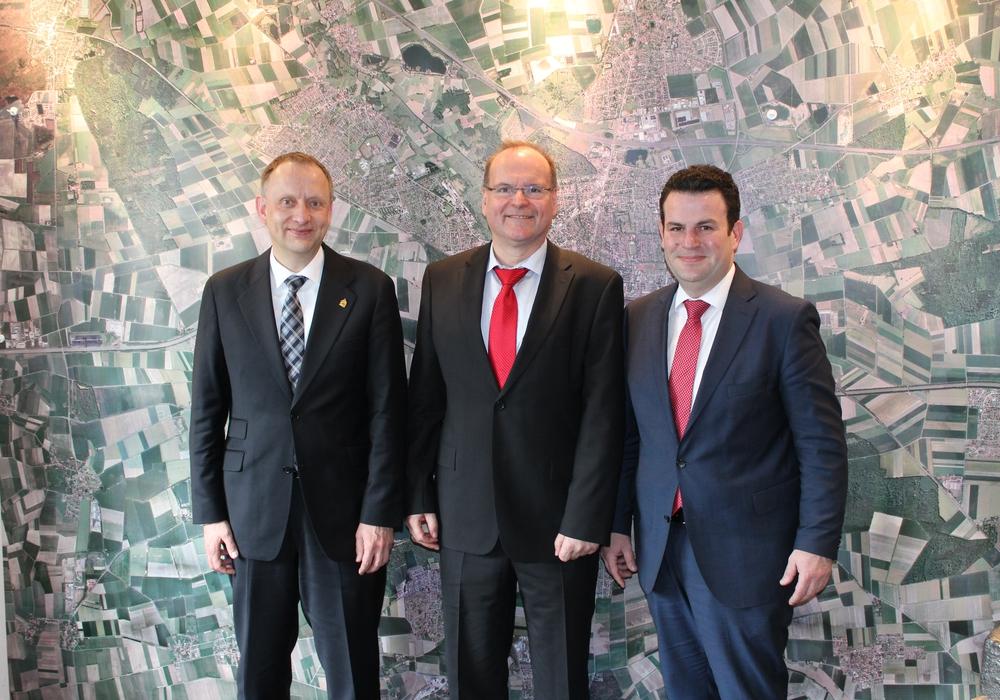v.l.n.r: Klaus Saemann, Alexander Michaelis, Hubertus Heil. Foto: Wahlkreisbüro Hubertus Heil