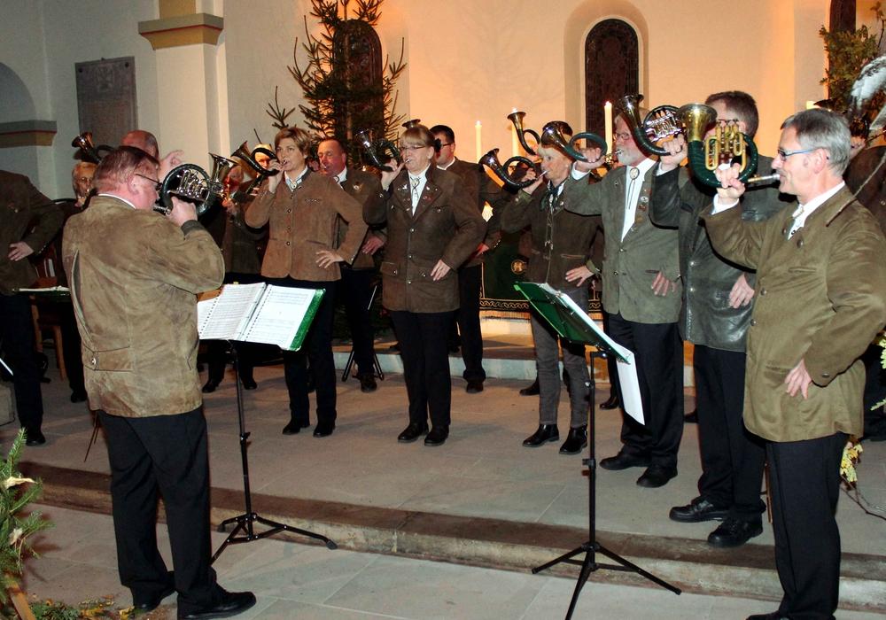 Die Jagdhornbläsergruppe erntete großen Beifall. Foto: Bernd-Uwe Meyer
