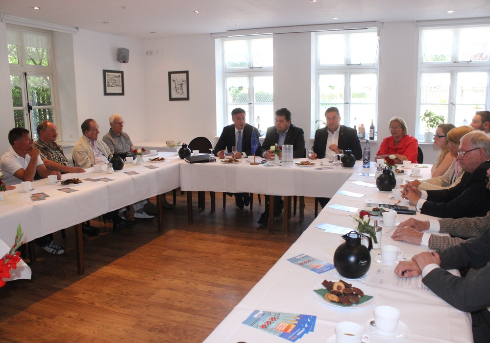 David McAllister, Landesvorsitzender der CDU Niedersachsen, sprach in Wolfenbüttel zu den bevorstehenden Kommunalwahlen. Foto: Anke Donner