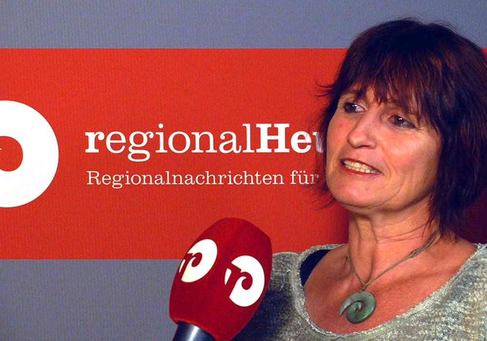 Stephanie Weigand von den Grünen plädiert dafür, dass das Mandat von Kirsten Seffer an die Fraktion zurückgehen sollte. Foto: regionalHeute.de