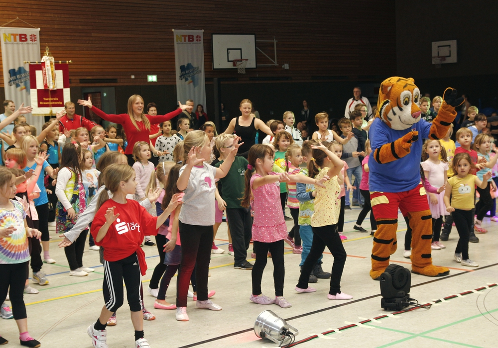 Turn-Show im Lessing-Gymnasium Foto: Siegfried Nickel