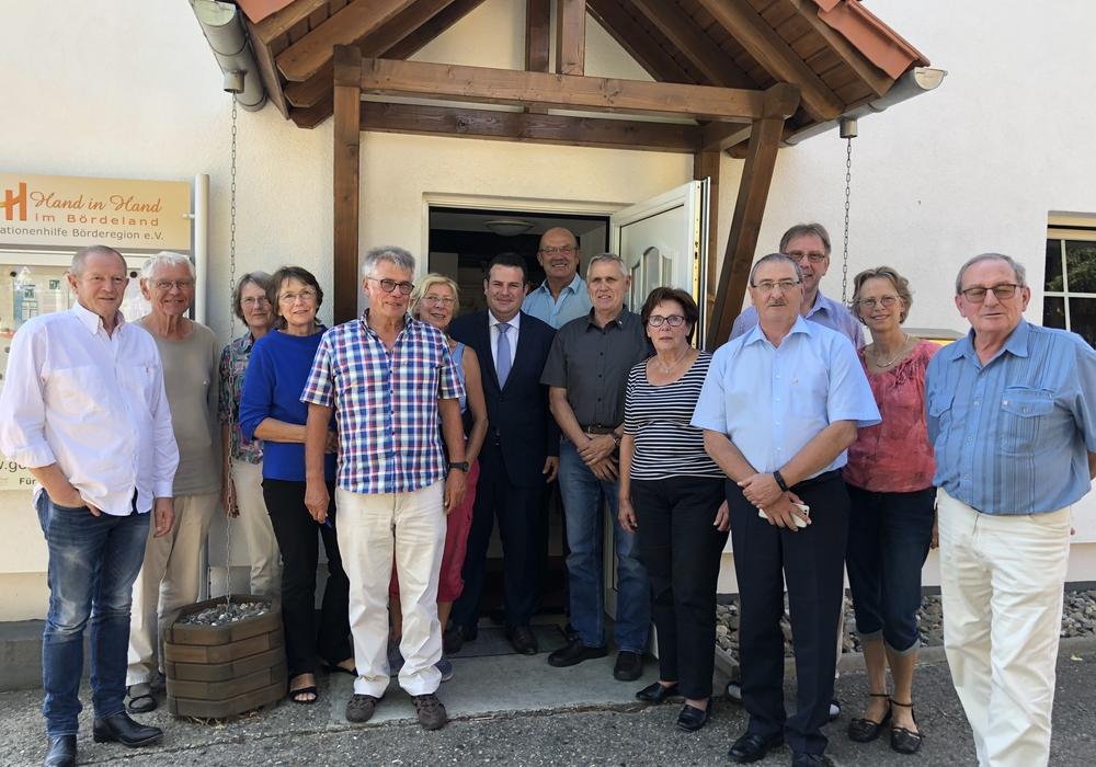 Der Abgeordnee Hubertus Heil mit dem erweiterten Vorstand. Foto: SPD