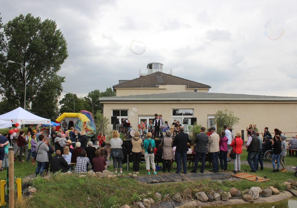 Viele Besucher kamen am Samstag zum Sommerfest des Integrations- und Therapiezentrum (ITZ) des DRK Kreisverband Wolfenbüttel. Fotos: Anke Donner