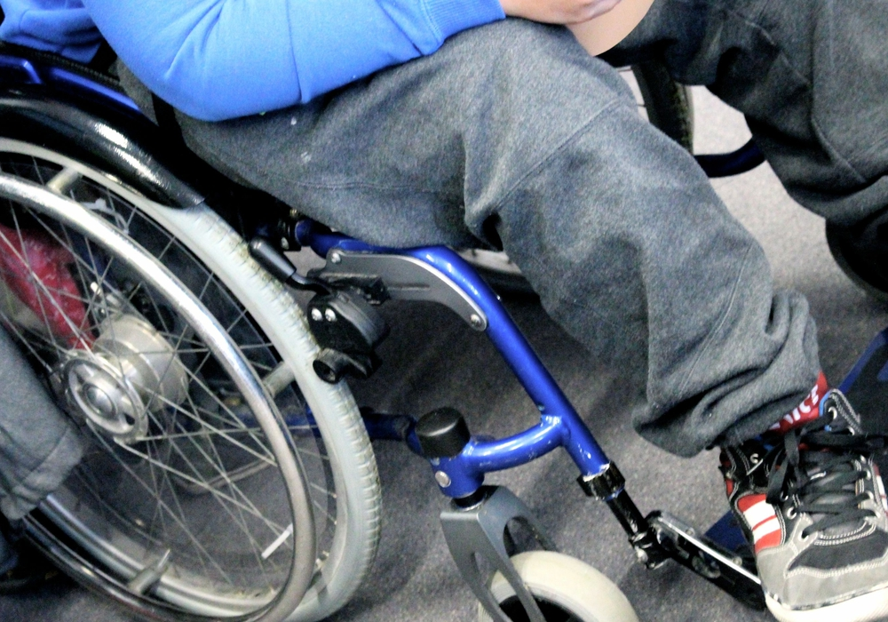 Die SPD in Wolfsburg möchte eine Ausleihe von Rollstühlen bzw. Rollatoren auf Friedhöfen. Symbolfoto: Sina Rühland