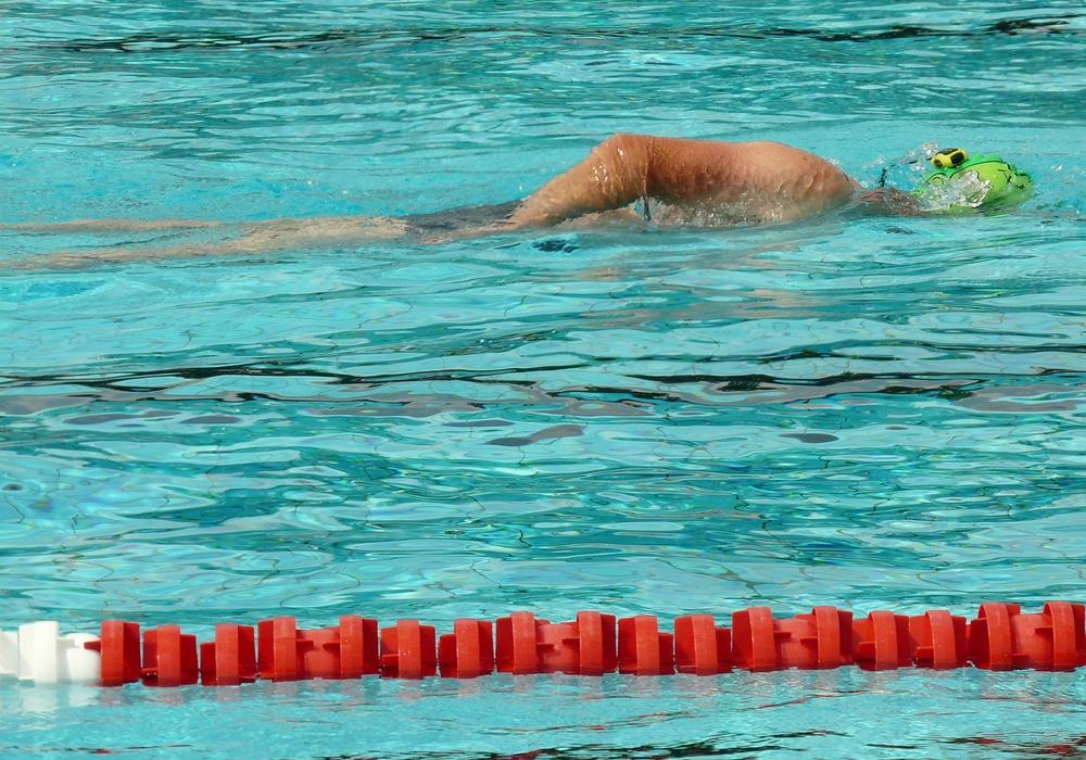 Wer in Wolfsburg schwimmen will, muss - wenn es nach den Plänen der Stadt geht - zukünftig tiefer in die Tasche greifen. Symbolbild: pixabay