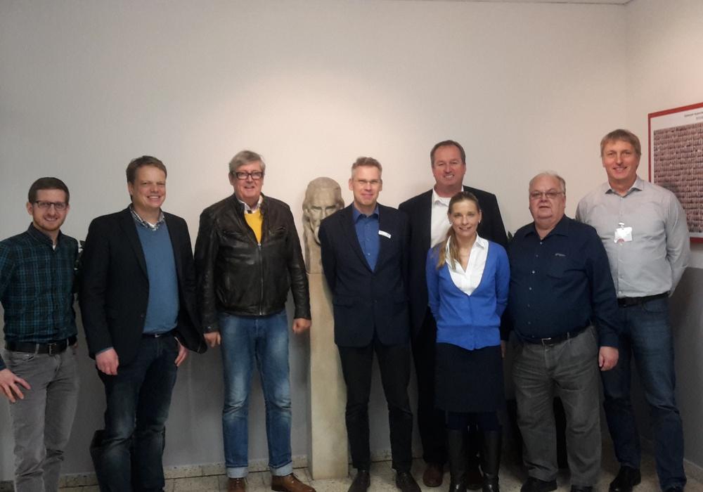Landtagsabgeordnete hospitierten im Deutschunterricht. Foto: SPD