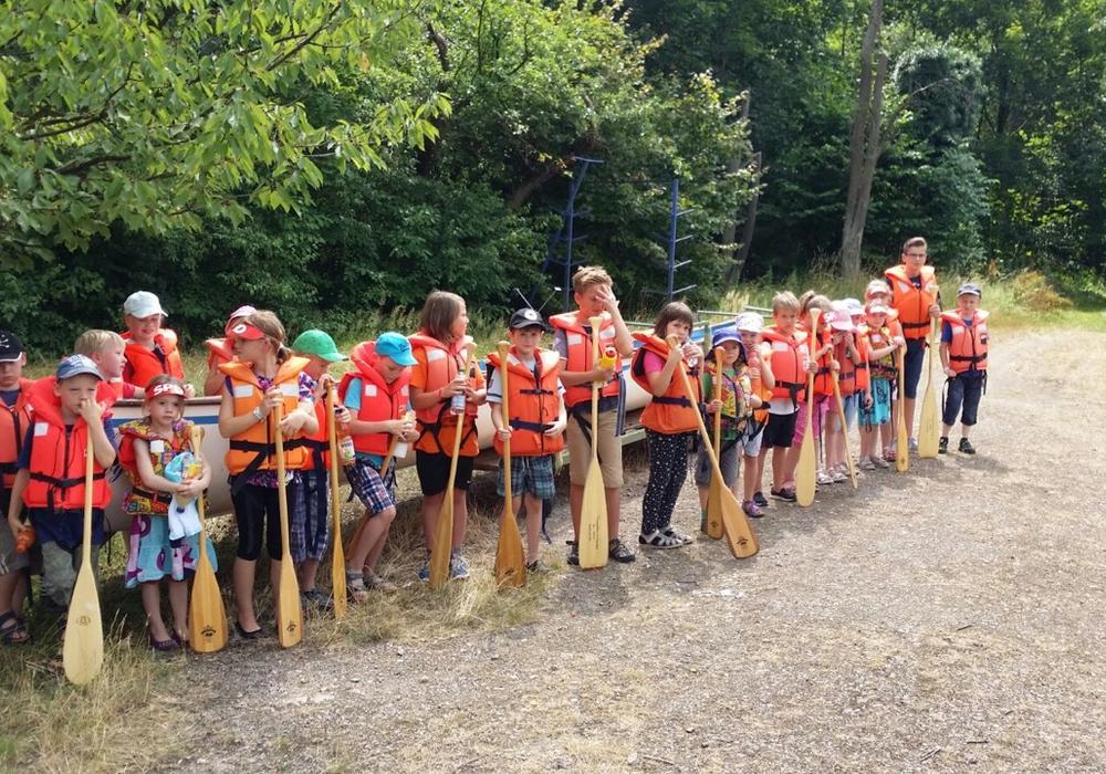 26 Kindern trafen sich zur Kanu-Tour. Foto: Privat