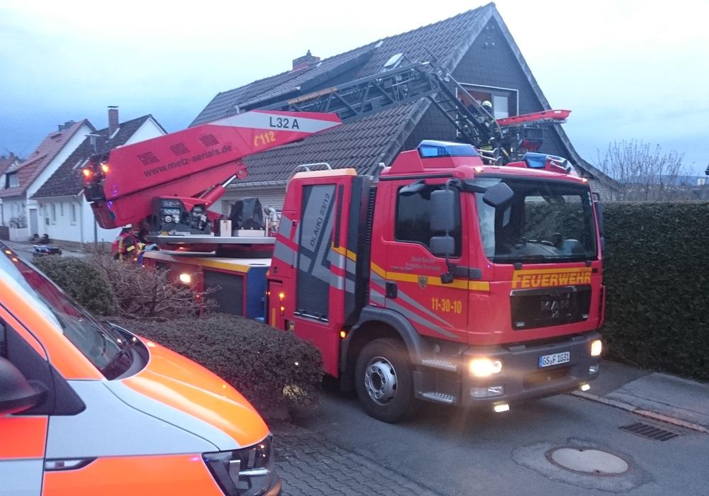 Am Dienstag musste die Feuerwehr mit der Drehleiter zu einer Patientenrettung in Sudmerberg ausrücken. Foto: Feuerwehr Goslar