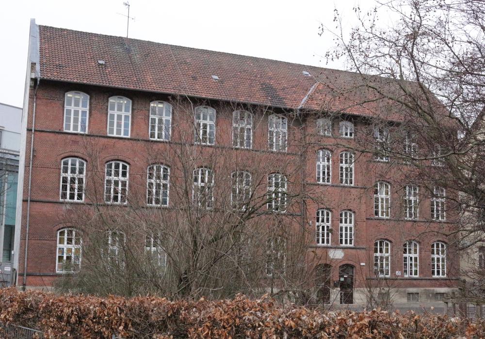 Auch an der Edith Stein Grundschule soll ein Anbau entstehen. Foto: Archiv