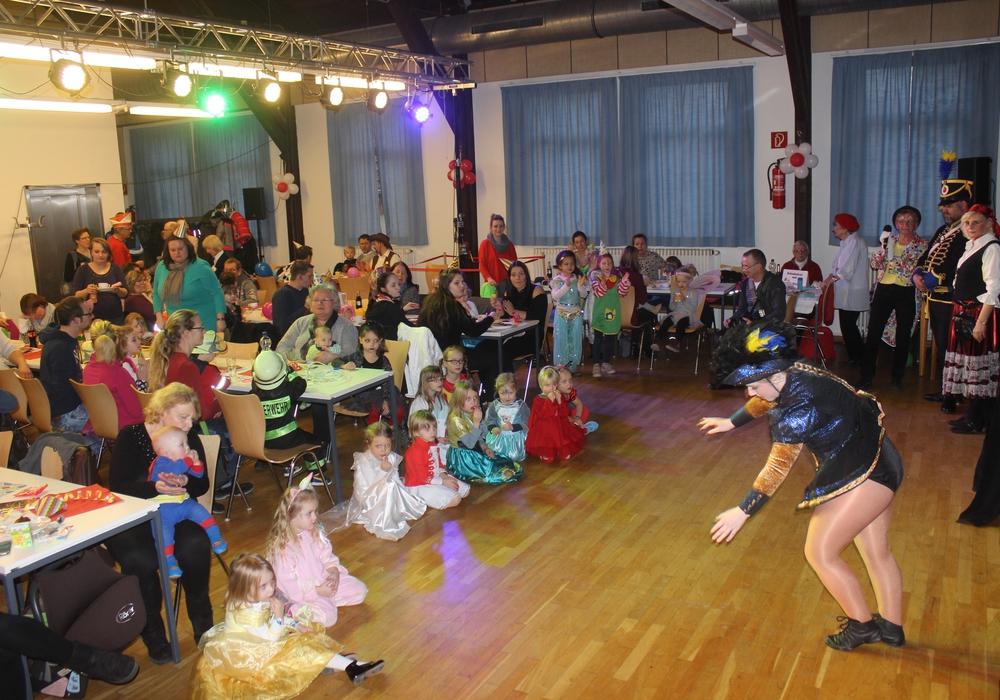 In Mascherode wurde am Sonntag Kinder-Karneval gefeiert. Fotos: Anke Donner