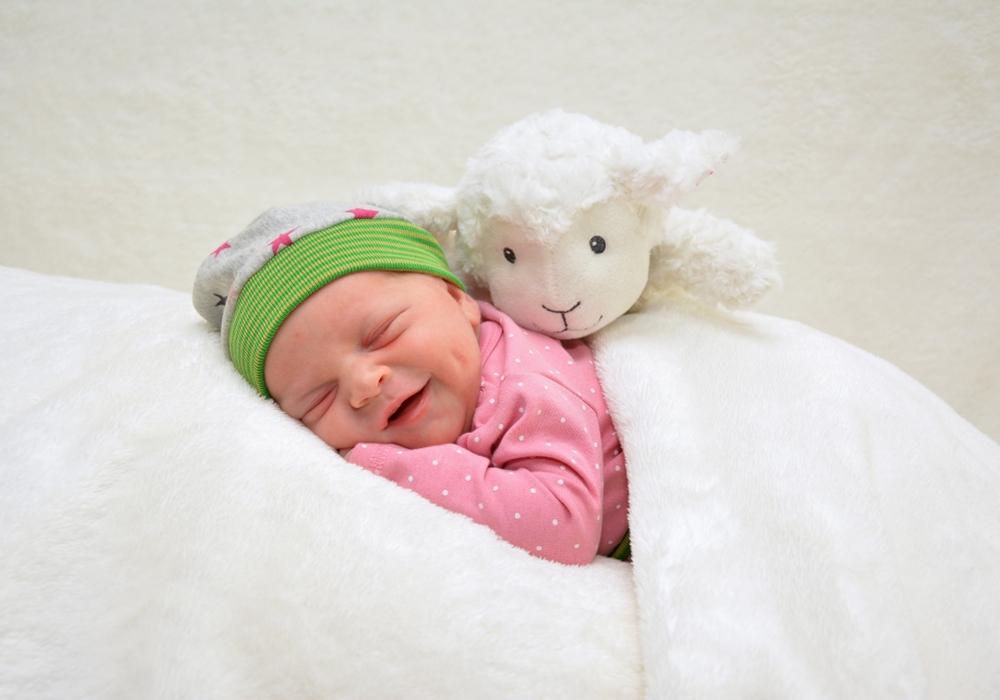 Herzlich Willkommen: Malia Burghart. Foto: babysmile24.de