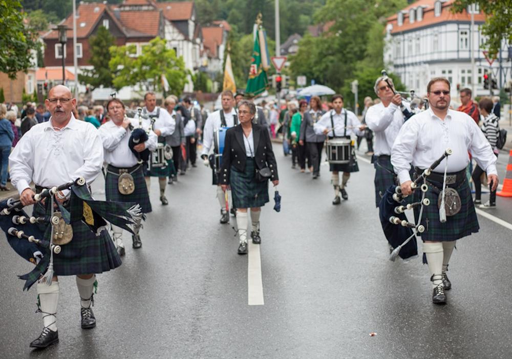 Bürgerparade in der Klubgartenstraße. Fotos: Alec Pein