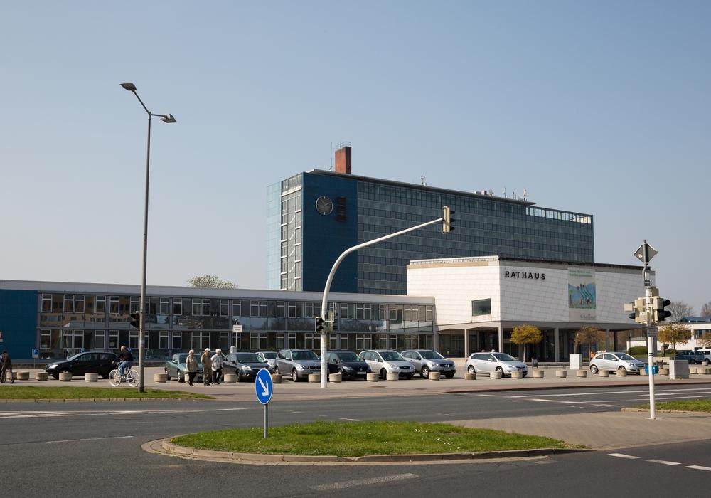 Die Stadt bietet attraktive berufliche Perspektiven für junge Leute. Auf dem Bild: Das Lebenstedter Rathaus. Foto: Stadt Salzgitter/Andre Kugellis