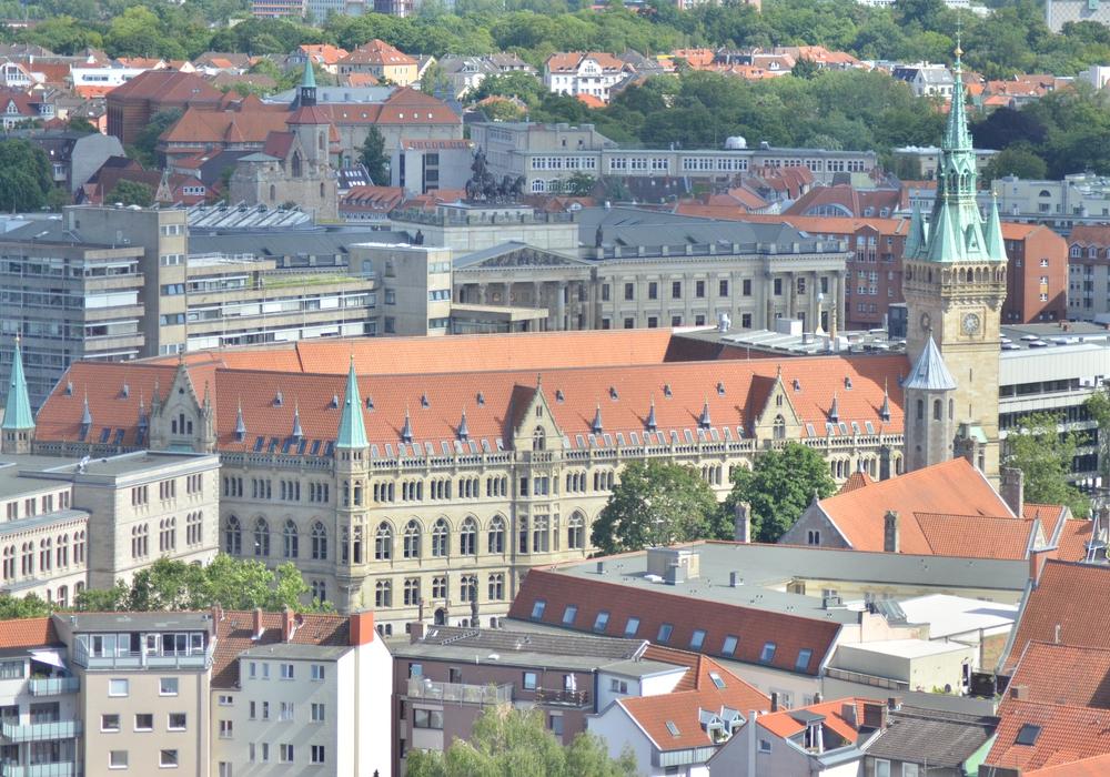 Braunschweig wird eine von 14 Modellkommunen in Niedersachsen, an denen Öffnungen in Kultur, Freizeit und Einzelhandel erprobt werden sollen.
