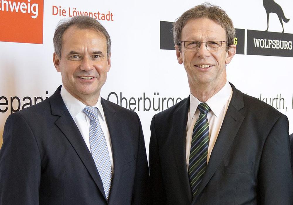 Die Oberbürgermeister von Braunschweig und Wolfsburg: Ulrich Markurth (links) und Klaus Mohrs. Foto: Stadt Braunschweig/Daniela Nielsen