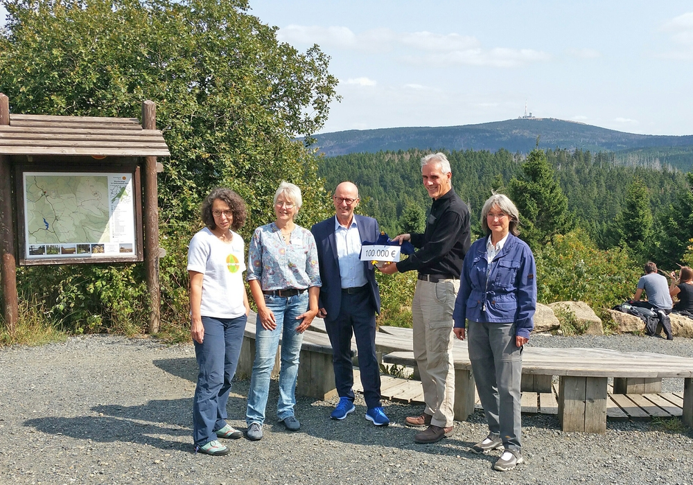 Nationalpark-Besucherzentrum TorfHaus. Mitte: Dr. Lutz Spandau. Foto: Nationalpark Harz