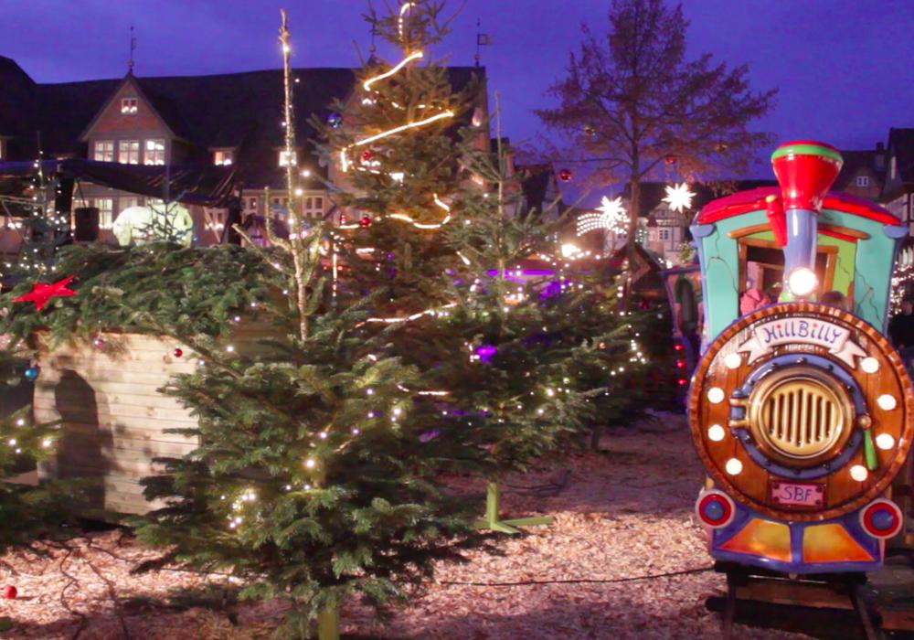 Corinna Düe zeiht ein positives Fazit zum Weihnachtsmarkt. Fotos: Anke Donner