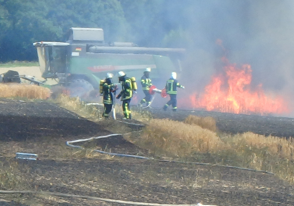 Tobias Breske von der Freiwilligen Feuerwehr Sickte wirbt für mehr Mitglieder. Foto: Breske