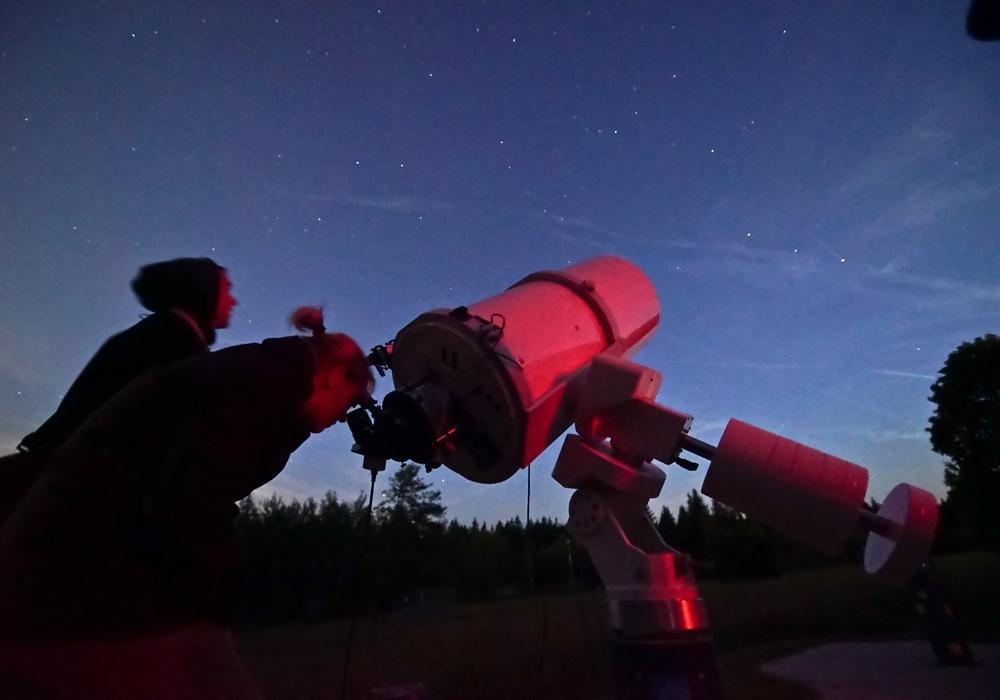 Der Blick in den Sternenhimmel lässt Besucher staunen. Foto: Sternwarte Sankt Andreasberg e.V.