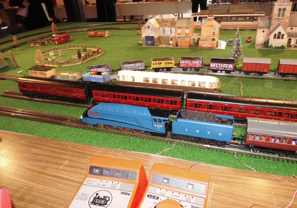 Die Bandbreite reicht von Puppen, Eisenbahnen, Zinn- und Bleifiguren bis hin zu Gesellschaftsspielen und Kinderbüchern. Foto: Stadt Salzgitter