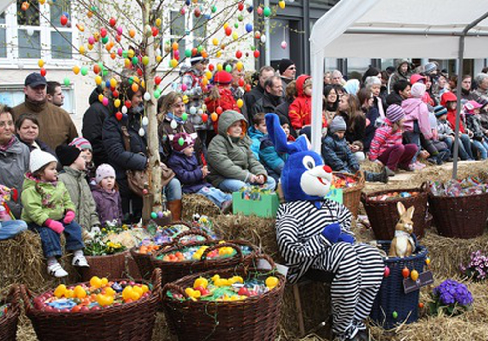 Wie in jedem Jahr verteilt der Osterhase im Rahmen des Osterfestes Geschenke. Foto: Archiv/Anke Donner