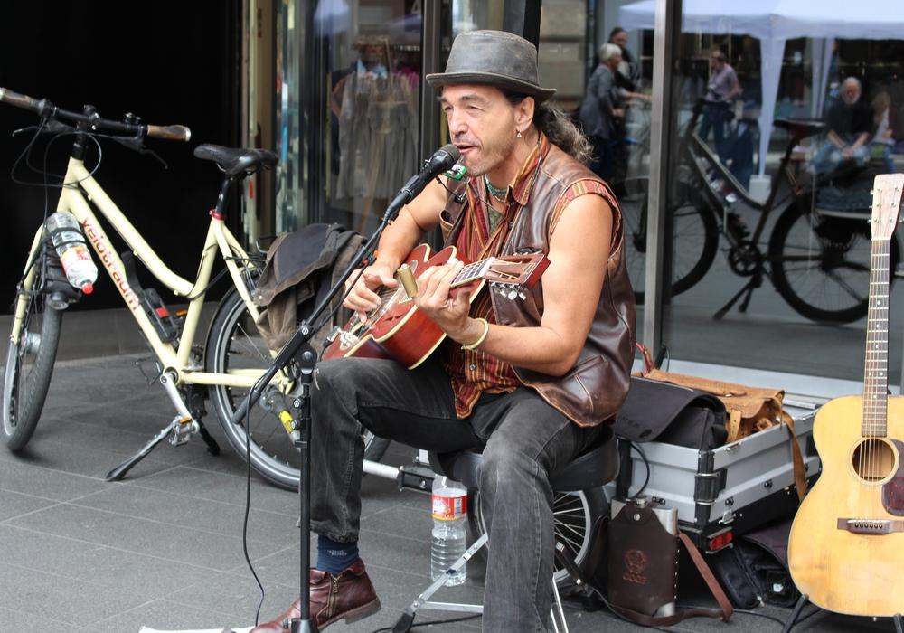 Auch für Straßenmusiker sollen neue Regeln gelten. Symbolfoto: Archiv