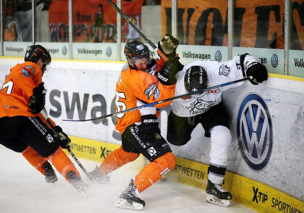 Die Grizzlys mussten kämpfen, nachdem die Ice Tigers wieder ausgeglichen hatten. Foto: Agentur Hübner.
