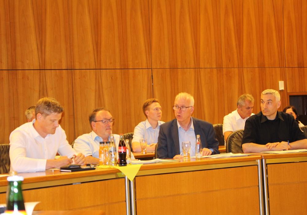 Am Sonntag soll die Bombe entschärft werden. Dies teilte die Stadt Wolfsburg auf einer Pressekonferenz mit. Foto: Alexander Dontscheff