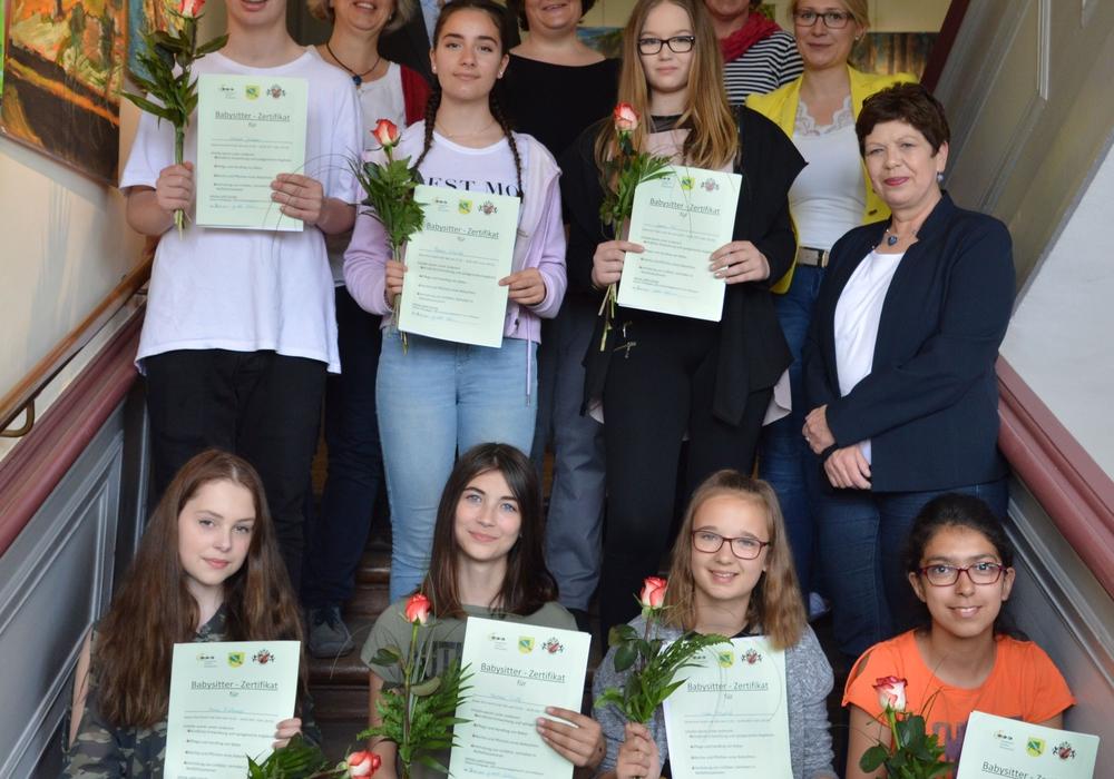 Die zertifizierten Babysitter mit v. li.: Claudia Bartels, Stefan Marken, Judith Greinke, Heidrun Ripke, Dana Raupach und Margit Richert. Foto: privat