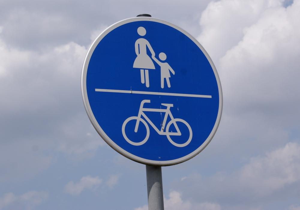 Die Verwaltung bremst die Wünsche nach einem durchgehenden Rad-  und Fußweg zwischen Goslar und Bad Harzburg. Symbolfoto: Archiv