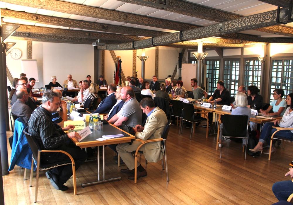Im Mai 2017 fand erstmals eine gemeinsame Schulausschusssitzung von Stadt und Landkreis statt. Archivfoto: Alexander Dontscheff