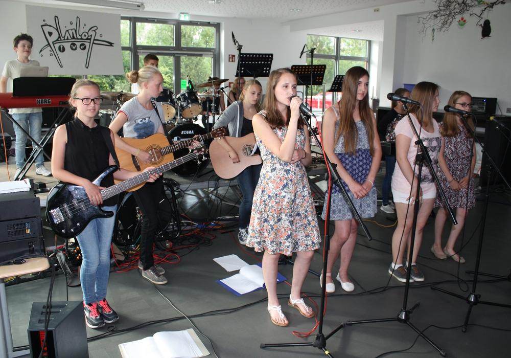 Auf ein buntes Programm mit Gesang und Instrumentalmusik dürfen sich Besucher der Sommermusik am THG am Donnerstag, 9. Juni um 17:30 Uhr freuen. Foto: THG