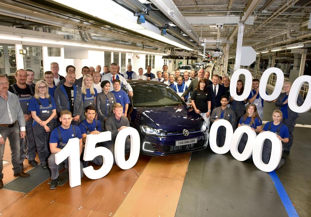 Allein 44 Millionen Fahrzeuge in Wolfsburg gefertigt. Foto: Volkswagen