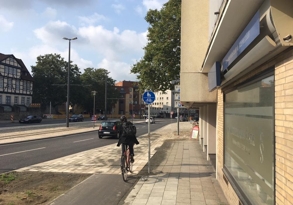 Im Bereich des Ägidienmarktes endet der eigene Radweg. Foto: Alexander Dontscheff