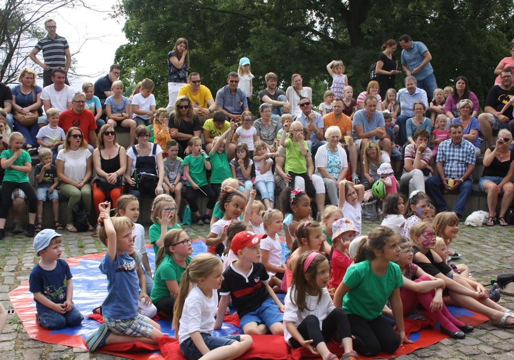 Das Showprogramm ist für viele Besucher des Kinderfestes ein Highlight. Foto: Jugendpflege der Gemeinde Vechelde