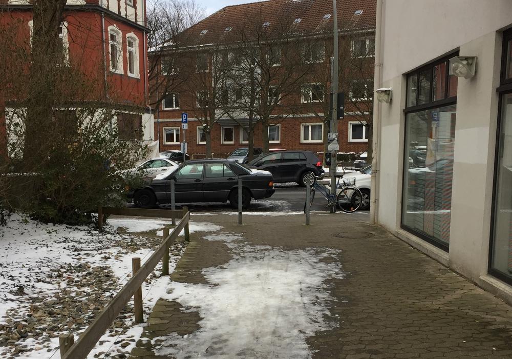 Für den Verbindungsweg zur Goslarschen Straße wird auf der Rudolfstraße eine Querungshilfe gefordert. Foto: CDU
