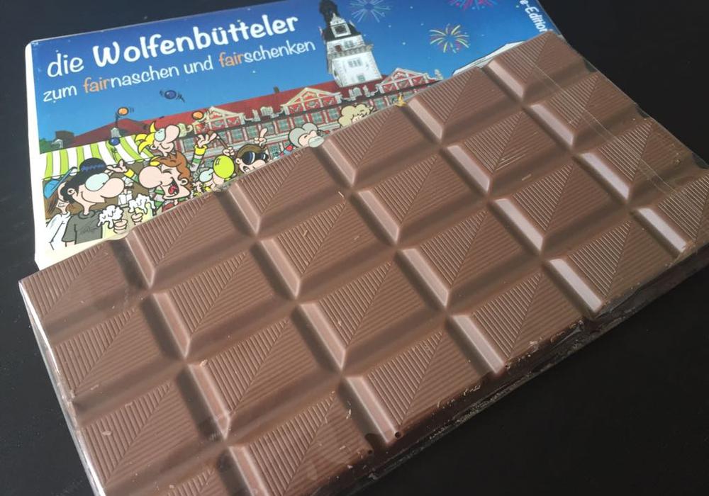 Ab sofort gibt es die Wolfenbütteler Jubiläums-Schokolade. Foto: Anke Donner