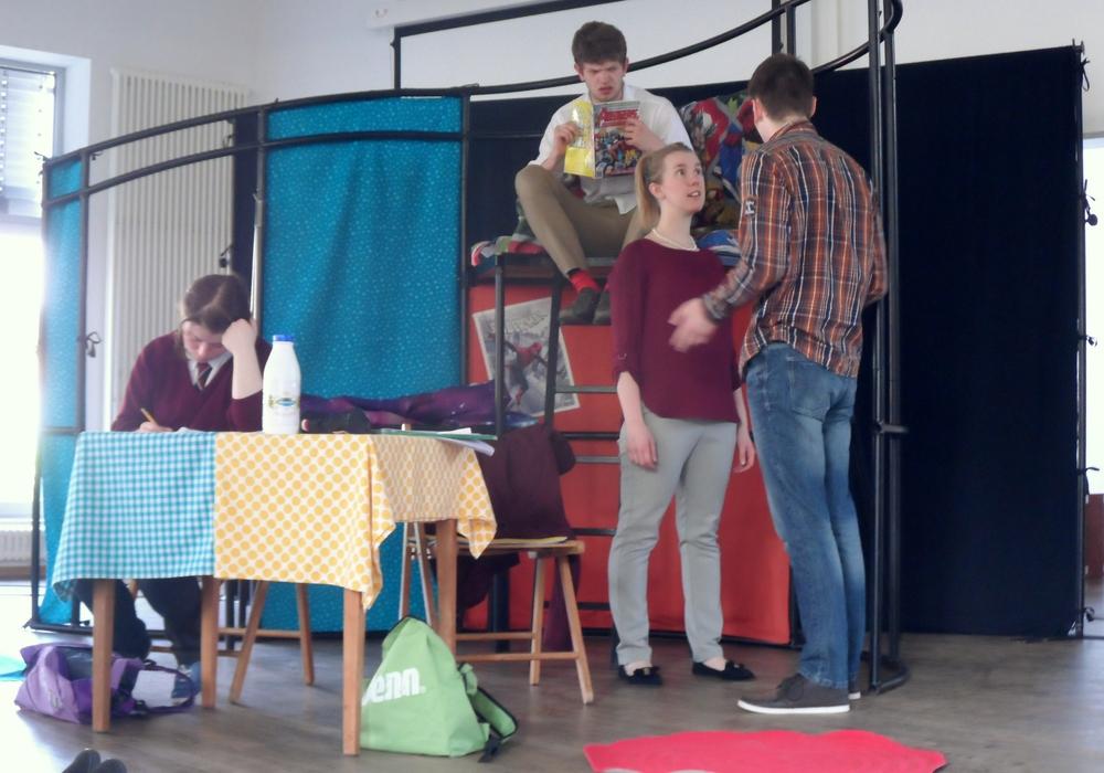 Das Gymnasium Große Schule hatte am vergangenen Donnerstag zum zweiten Mal in diesem Schuljahr Besuch von der englischsprachigen Theatergruppe White Horse Theatre. Fotos: Große Schule