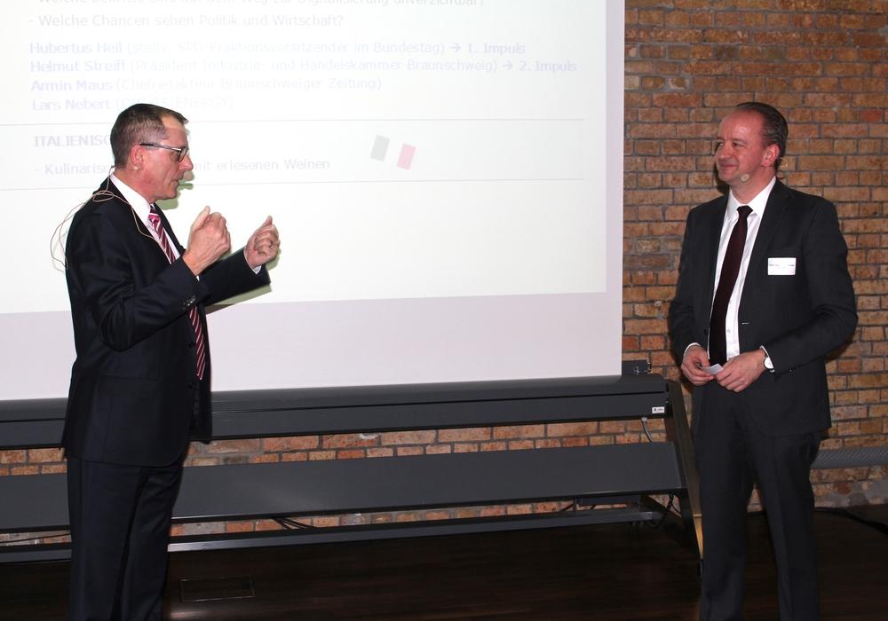 Paul Anfang, stellvertretender Vorstandsvorsitzender BS-Energy, und Moderator Professor Andreas Grübel (re.). Fotos: Alexander Dontscheff