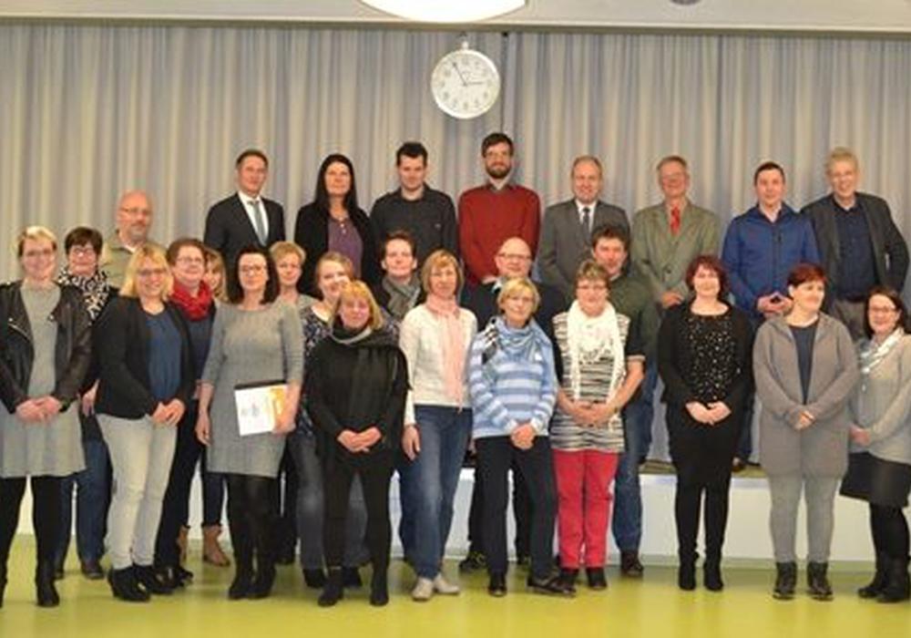 Die mit dem Siegel ausgezeichneten Teilnehmer. Foto: Landkreis Helmestedt