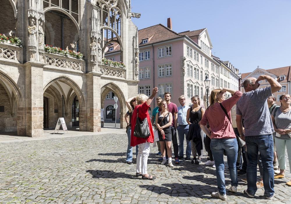 Die neue Saison der Stadtführungen lockt Besucherinnen und Besucher in die Löwenstadt. Foto: Braunschweig Stadtmarketing GmbH / Frank Sperling