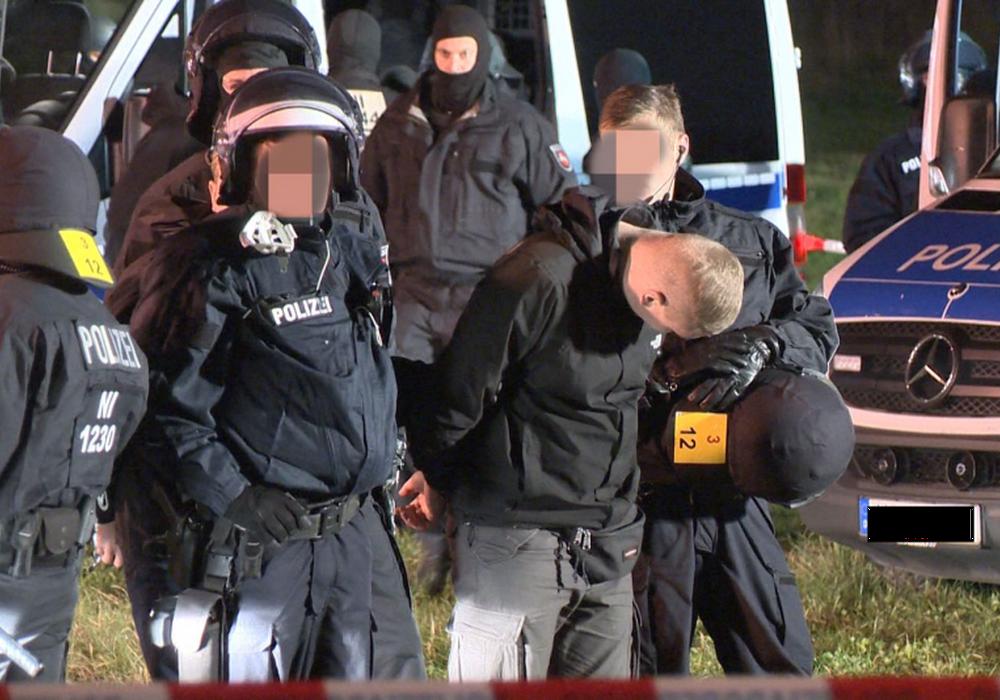 Anfang November 2016 griff die Polizei in Hildesheim 170 Fußball-Anhänger auf. Foto: privat