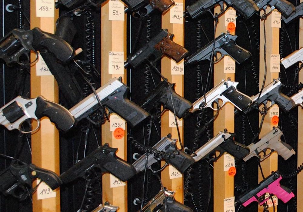 Nicht nur Pistolen fanden ihren Weg zu den Behörden. Symbolfoto: Archiv
