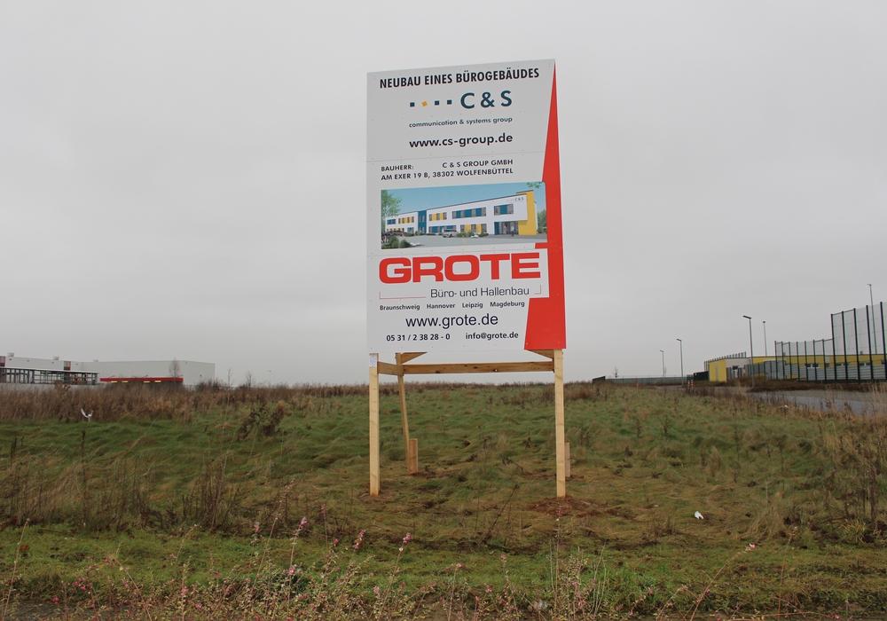 Die neue Firmenzentrale soll im Gewerbegebiet der Schweigerstraße zwischen Hellweg und dem MKN-Sport-Park entstehen. Foto: Marian Hackert