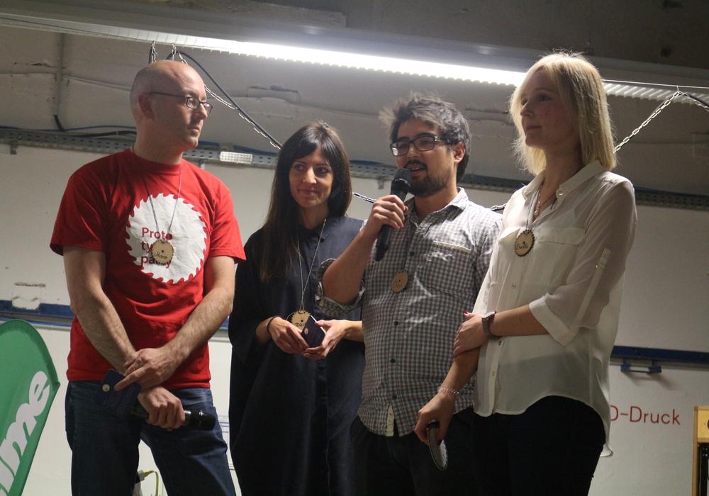 Mario, Dörte (Prototypen-Party-Team) Chris (Protohaus-Gründer und Britta (Allianz für die Region)(von links) führten in den Abend ein, bei dem sich nur gedutzt werden durfte.
