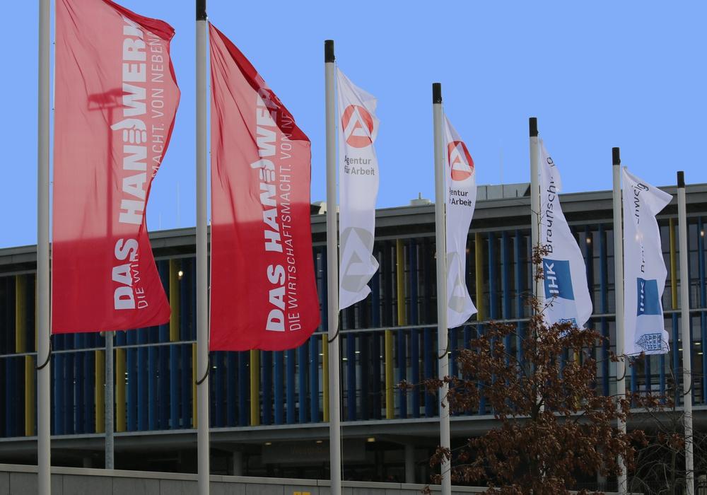 Agentur für Arbeit, Arbeitgeberverband, Handwerkskammer sowie Industrie- und Handelskammer veranstalten im zweiten Jahr eine gemeinsame Ausbildungsmesse im Eintracht-Stadion. Foto: Freydank/Agentur für Arbeit