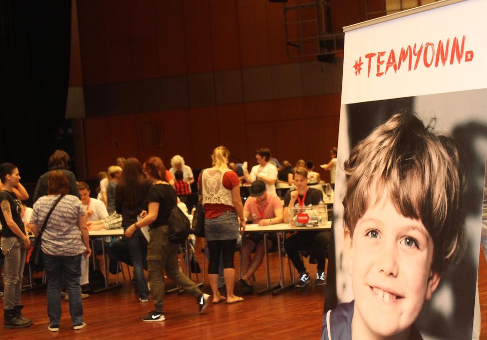 Über 3000 Menschen kamen in die Stadthalle um sich registrieren zu lassen. Foto: A. Donner