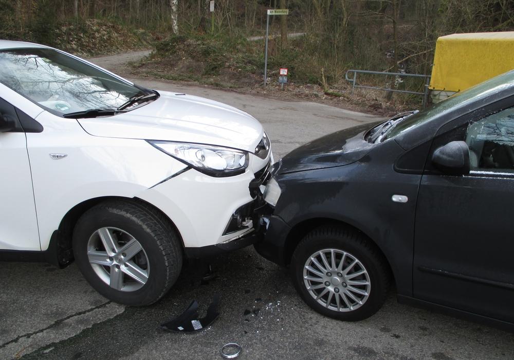 In Lautenthal kam es am Freitag zu einem Verkehrsunfall. Dabei entstand ein Sachschaden von rund 14.000 Euro. Verletzt wurde niemand. Foto: Polizei