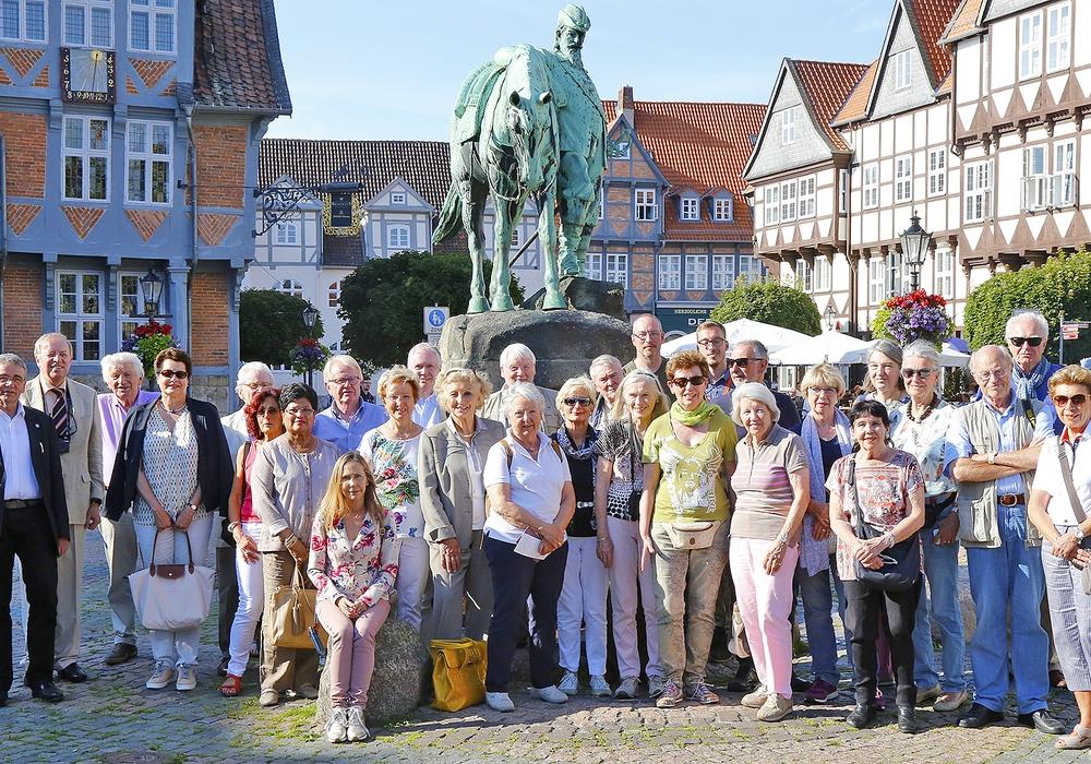 Die Besuchergruppe aus Luxemburg auf dem Stadtmarkt. Foto: Stadt Wolfenbuettel/rae