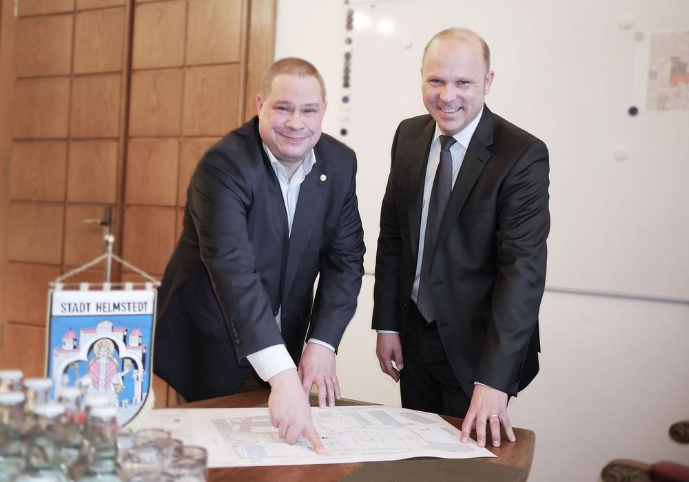 Bürgermeister Wittich Schobert und Klaas Fechner (Edeka). Foto/Podcast: Alexander Panknin